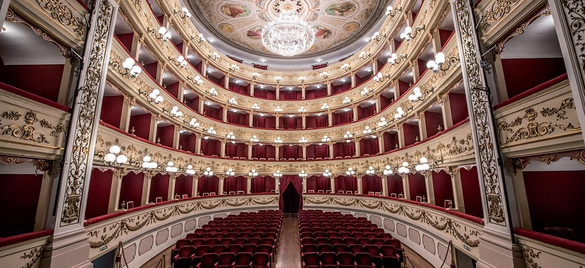 Teatro Marrucino di Chieti, interno.