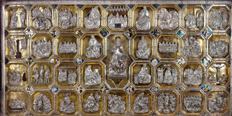 Paliotto d'altare conservato nel Duomo di Teramo (ph. Gino Di Paolo)