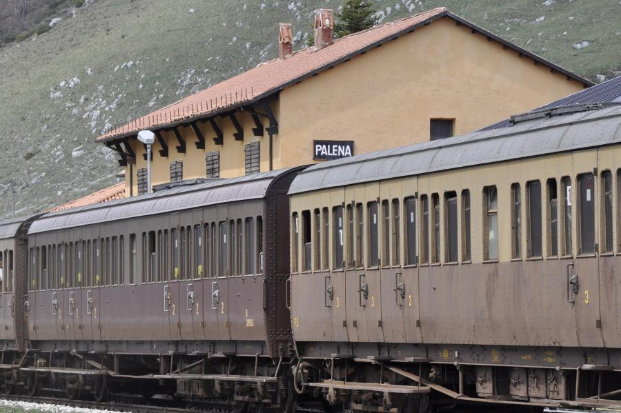 Treno storico in sosta alla stazione di Palena (ph. Ivan Masciovecchio)
