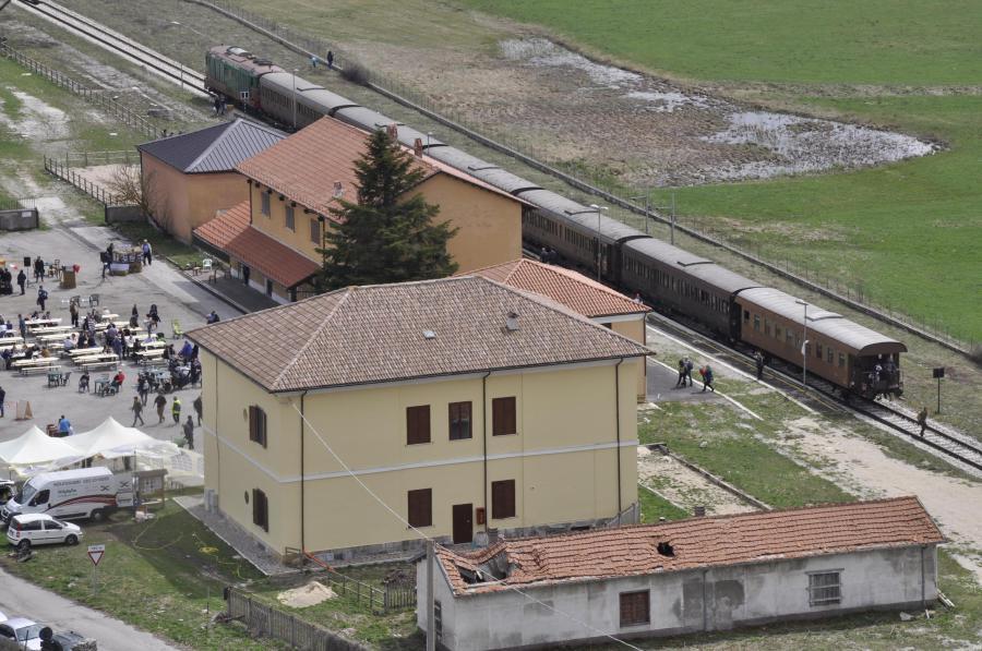 Treno in sosta alla stazione di Palena (ph. Ivan Masciovecchio)