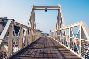 ponte girevole sul torrente Calvano a Pineto