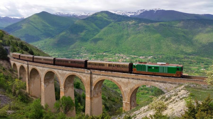 Su un viadotto lungo il Colle Mitra (ph. Nicola Malcangio)