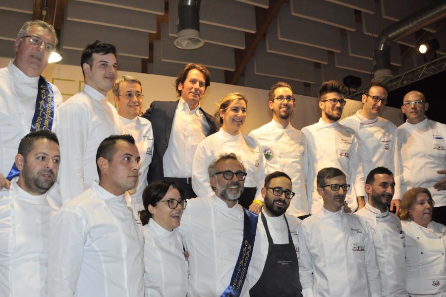 Foto di gruppo dei cuochi relatori (ph. Ivan Masciovecchio)