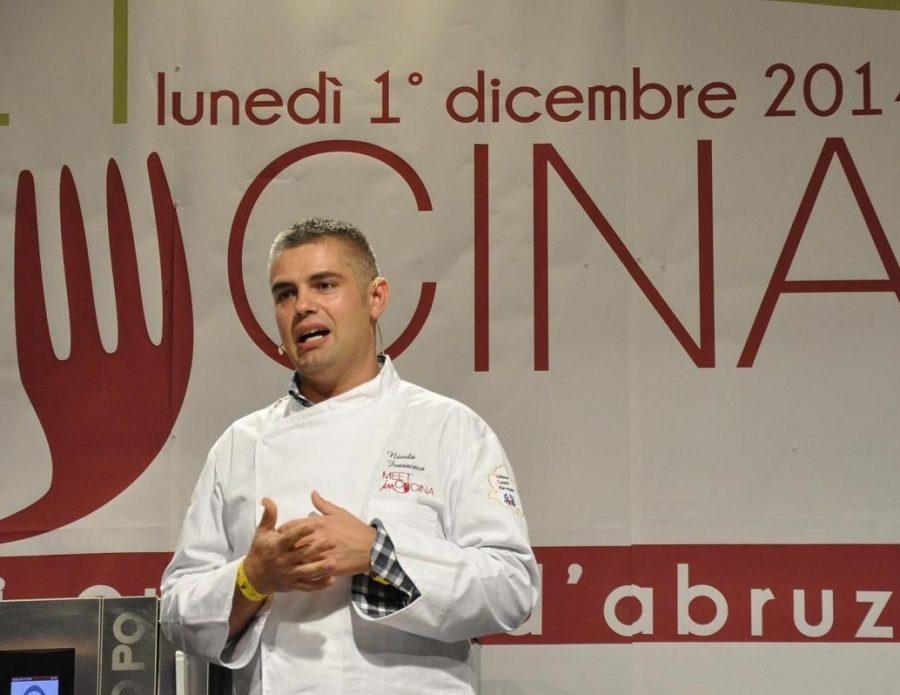 Nicola Fossaceca sul palco del congresso Meet in Cucina (ph. Ivan Masciovecchio)