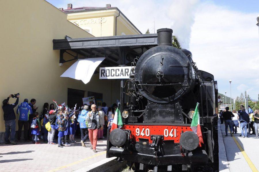 La Vaporiera degli Altipiani in sosta alla stazione di Roccaraso (ph. Ivan Masciovecchio)
