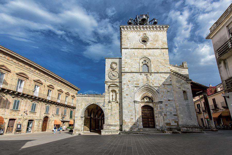 Cattedrale di S. Maria Maggiore (ph. sito borghipiubelliditalia.it)