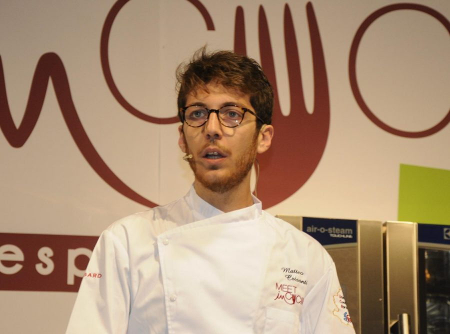 Il giovane Mattia Crisanti ha inaugurato il Meet in Cucina 2018 (ph. Ivan Masciovecchio)