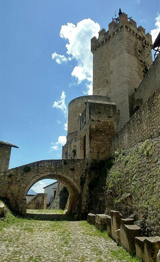 Interno del Castello Piccolomini (ph. Ivan Masciovecchio)