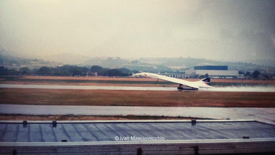 L'atterraggio del Concorde a Pescara il 5 giugno 1988 (ph. Ivan Masciovecchio)