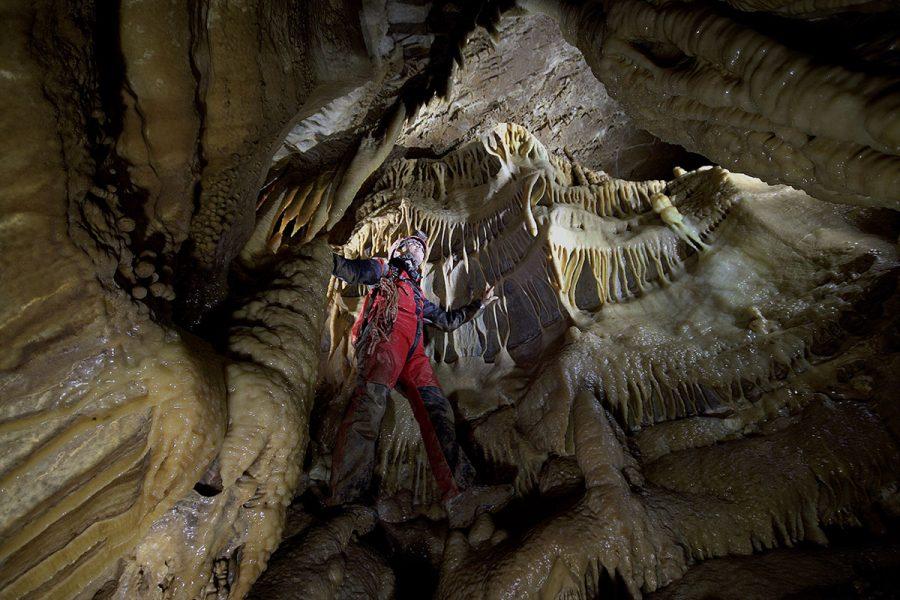 Altra panoramica all'interno della Grotta della Lupa.