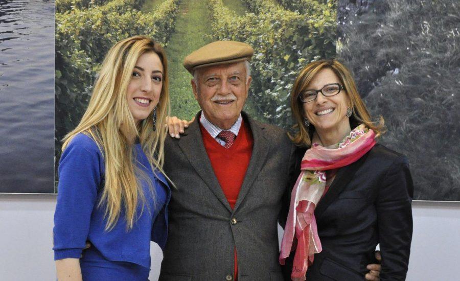 Emidio Pepe tra la nipote Chiara (a sinistra) e la figlia Sofia (ph. Ivan Masciovecchio)