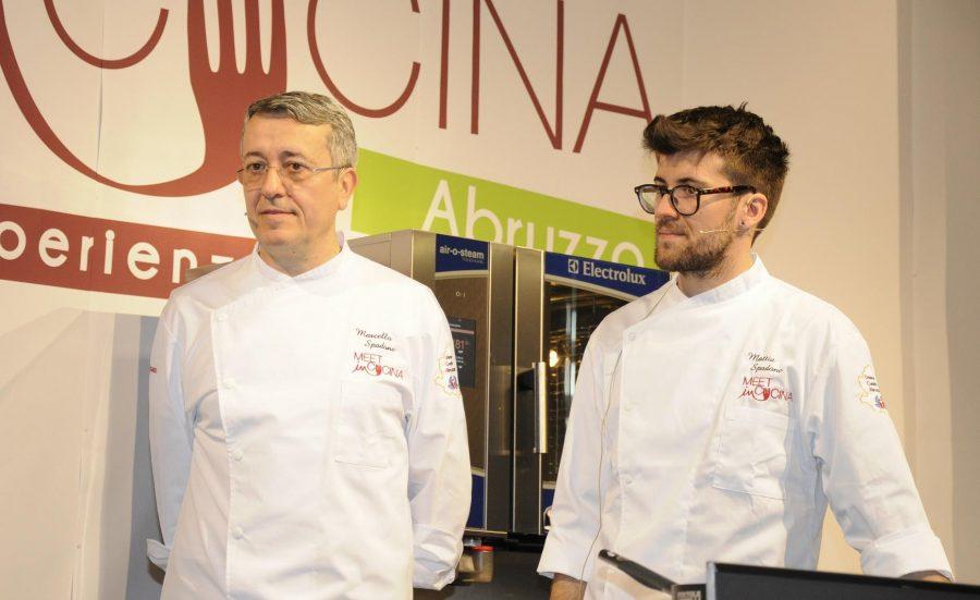 Marcello e Mattia Spadone sul palco del Meet in Cucina 2018 (ph. Ivan Masciovecchio)