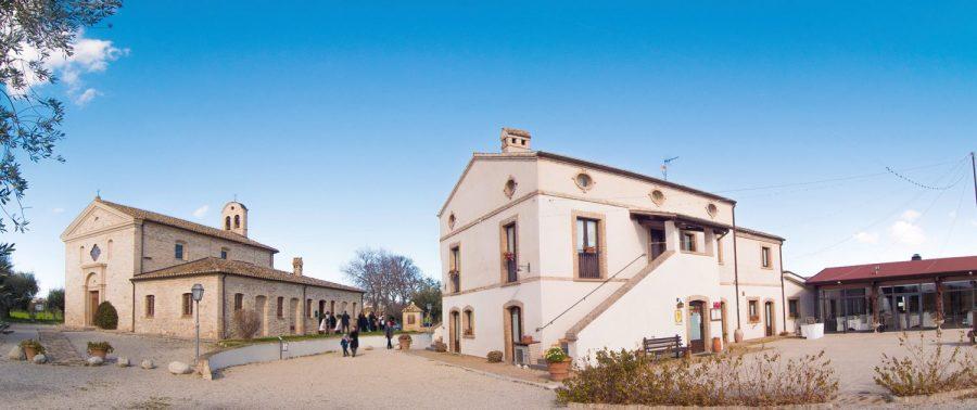 Gli spazi del Borgo Spoltino a Mosciano Sant'Angelo (ph. sito borgospoltino.it)