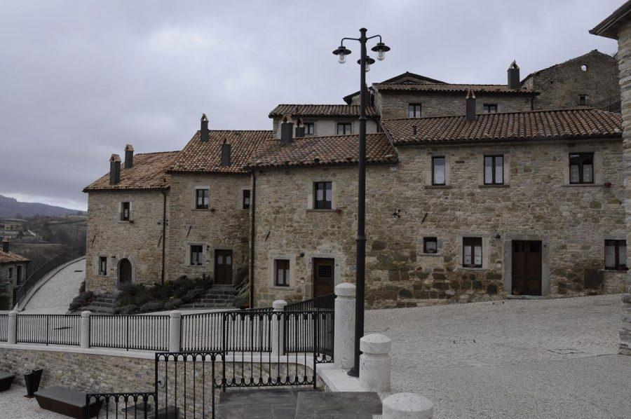 L'albergo diffuso Borgo Tufi a Castel del Giudice (ph. Ivan Masciovecchio)