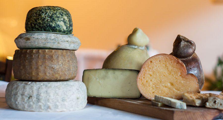 Selezione di formaggi di Gregorio Rotolo (ph. sito vallescannese.it)