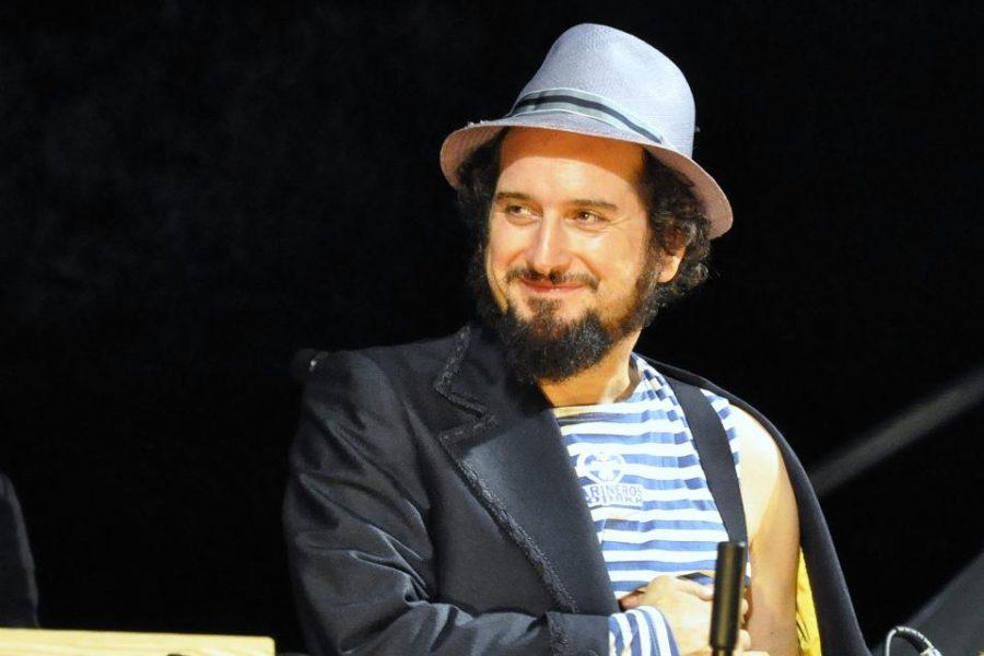 Vinicio Capossela in concerto ad Alba Fucens nel luglio 2012 (ph. Ivan Masciovecchio)
