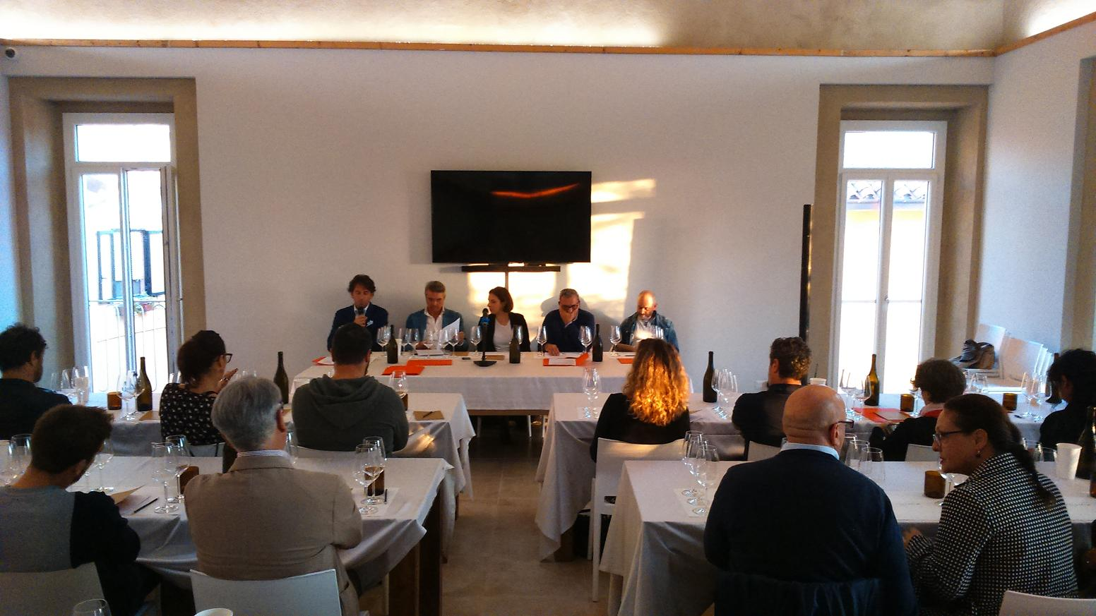 Il tavolo dei relatori, da sx: Massimo Di Cintio, Andrea De Palma, Chiara Ciavolich, Romano D'Amario e Pierluigi Cocchini (ph. Ivan Masciovecchio)