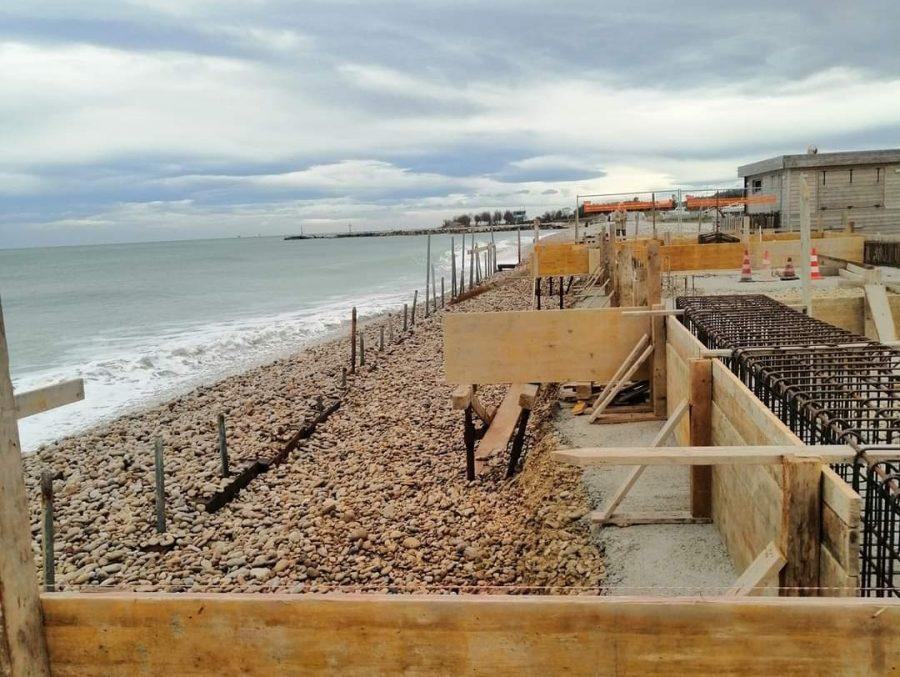 I lavori in corso sulla spiaggia di Fossacesia (CH)